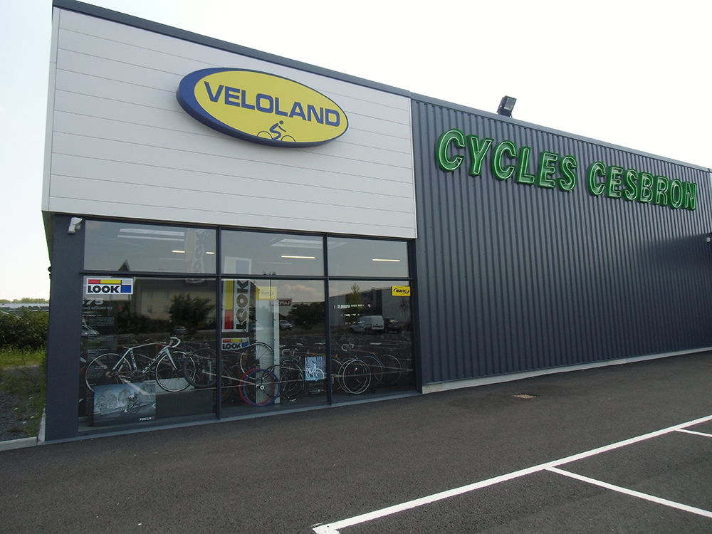 Magasin Véloland Cycles Cesbron @ Cycles Cesbron