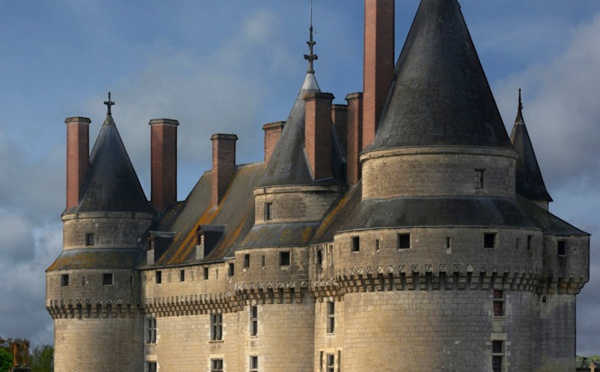 les chateaux de la loire port e de clic office de tourisme saumur val de loire. Black Bedroom Furniture Sets. Home Design Ideas